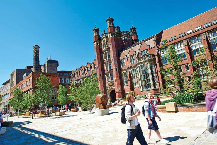 Стипендии в INTO Newcastle University на программы Foundation!